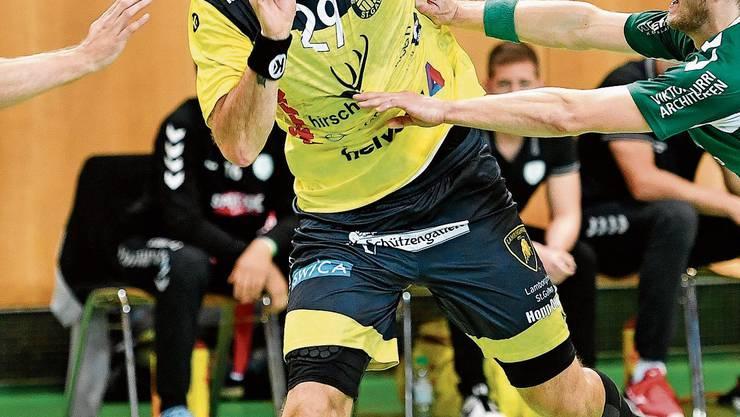 St.Otmars Rares Jurca überzeugt mit acht Treffern. Bild: Ralph Ribi