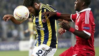 Korkmaz (links) schoss Fenerbahce zum Sieg