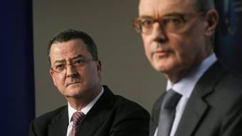 Yves Rossier (l.) mit David O'Sullivan in Brüssel