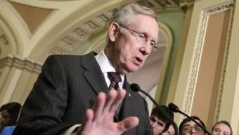 Der demokratische Mehrheitsführer im Senat, Harry Reid, stellt das Projekt Sonder-Steuer vor
