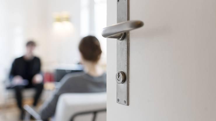 Die Psychiatrische Universitätsklinik Zürich baut die Behandlungen bei den Patienten zu Hause aus. (Symbolbild)