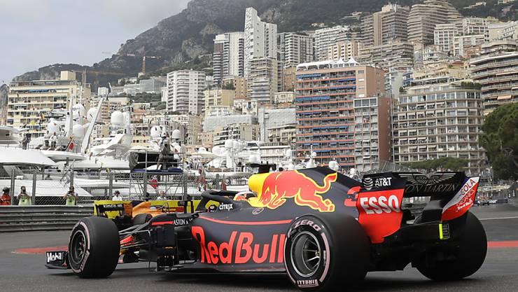 Daniel Ricciardo im Red Bull in den Strassen von Monte Carlo