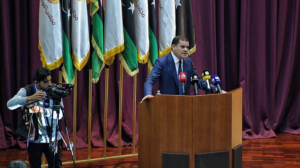 Abdul Hamid Dbaiba, designierte Ministerpräsident von Lybien, spricht vor dem Parlament. Foto: Hakim Al-Yamani/AP/dpa