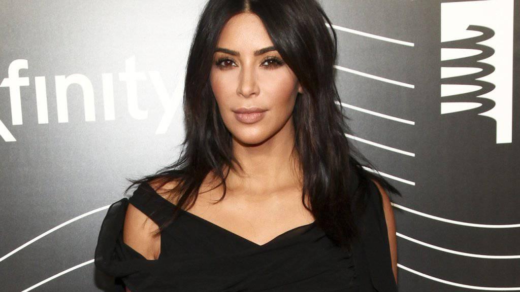 Von ihrem geraubten Schmuck im Wert von rund neun Millionen Euro fehlt jede Spur: Realitysternchen Kim Kardashian. (Archivbild)