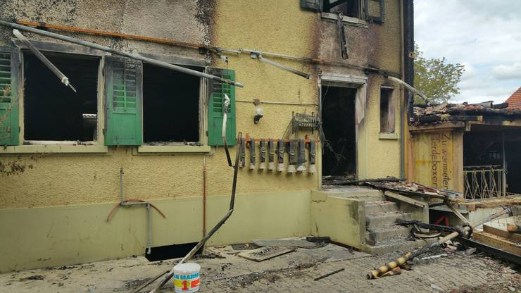 Seit dem verheerenden Brand steht Gemeindepräsidentin Gisela Taufer mit der ebenfalls im Dorf lebenden Familie des verletzten Bauern in Kontakt.
