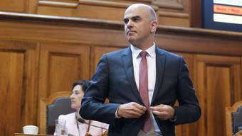 Dennis Bühler: «Auch wenn noch nicht absehbar ist, ob er auch bei der Volksabstimmung eine Mehrheit für sich gewinnen wird: Berset ist der Bundesrat der Stunde.»