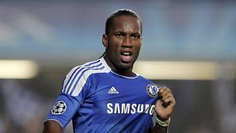 Didier Drogba streift sich wieder das Chelsea-Trikot über