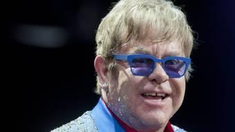 Elton John kämpft mit einem entzündeten Blinddarm (Archiv)