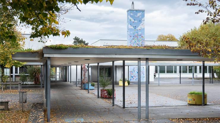 Hier hätte man den Möriker Schüler nach seinem Ausraster aufgenommen: Die Oberstufe in Lenzburg auf dem Schulcampus Lenzhard (Bild: Michael Küng)