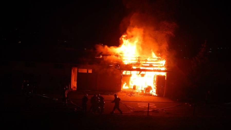 Erler Brandstifter: Beschuldigter streitet alle 30 Taten ab