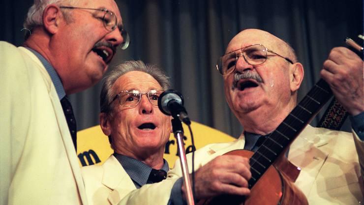 Heinz Lüthi, Jürg Randegger und der 2008 verstorbene Werner von Aesch bei ihrem letzten Auftritt 2002 im Salmensaal in Schlieren.
