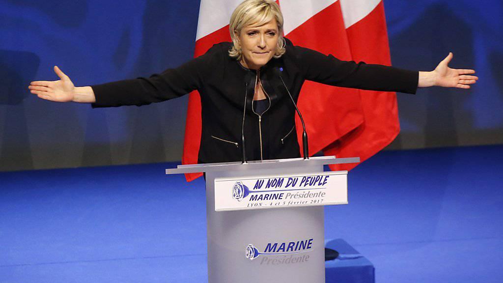 Grosse Zustimmung für die Ideen ihrer Partei Front National, aber als Präsidentin der Republik nicht mehrheitsfähig: Marine Le Pen (in einer Aufnahme vom 5. Februar in Lyon).