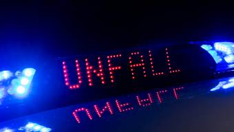 Der Unfall ereignete sich am Freitagabend um 18 Uhr auf Höhe der Schulstrasse 15 in Schlieren. (Symbolbild)