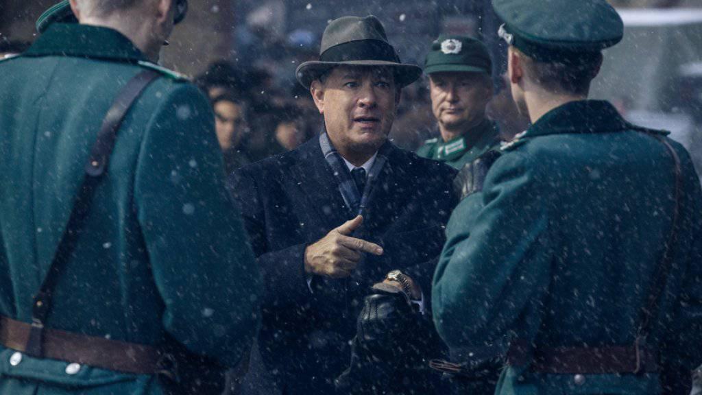 Tom Hanks (M) in einer Winterszene aus «Bridge of Spies» (Archiv).