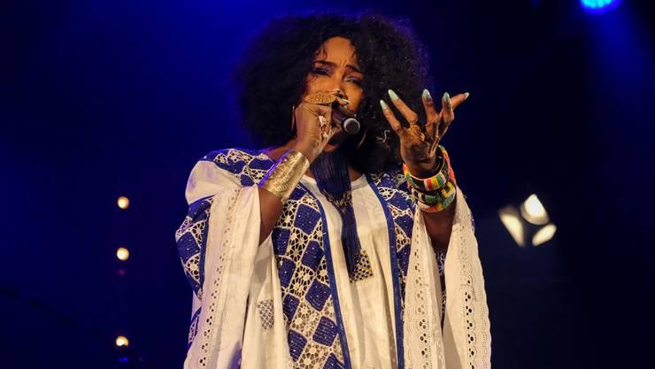 Eine imposante, charismatische Erscheinung: Oumou Sangaré bei ihrem Auftritt in Cully.