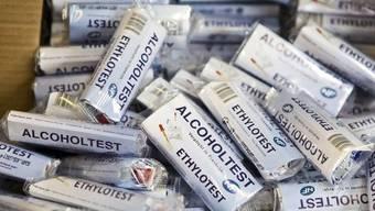 Alkoholtests: die Pusteröhrchen müssen nun in Frankreich doch nicht mitgeführt werden (Archiv)