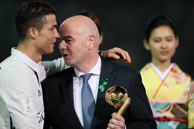 Fussball ist ein Milliardenbusiness: Gianni Infantino (rechts) und Cristiano Ronaldo.