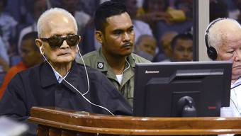 Im Berufungsprozess gescheitert: Die Drahtzieher der Roten Khmer in Kambodscha, Nuon Chea (links) und Khieu Samphan bleiben in Haft.