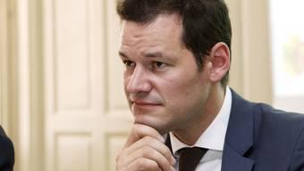 Der Genfer Sicherheitsdirektor Pierre Maudet fordert für die Terrorbekämpfung eine Ausweitung der rechtlichen Möglichkeiten für die Polizei - auch auf Bundesebenen. (Archiv)