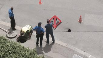 Solothurn: Ein Loch in der Strasse tut sich auf
