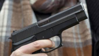 In der Schweiz wurden deutlich mehr Gesuche für einen Waffenerwerbsschein gestellt. (Symbolbild)
