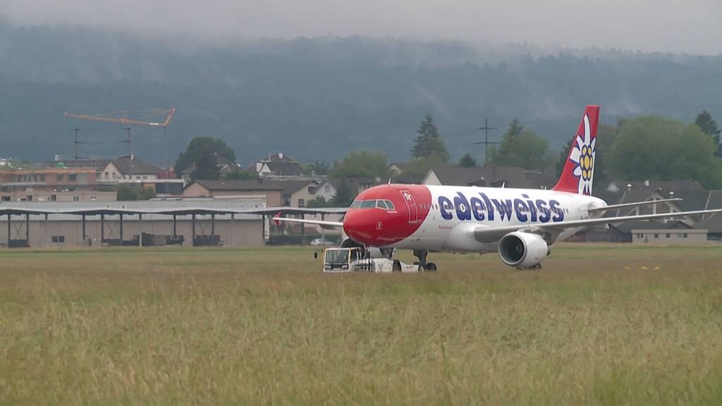 Edelweiss  fliegt zwei Maschinen von Dübendorf nach Kloten