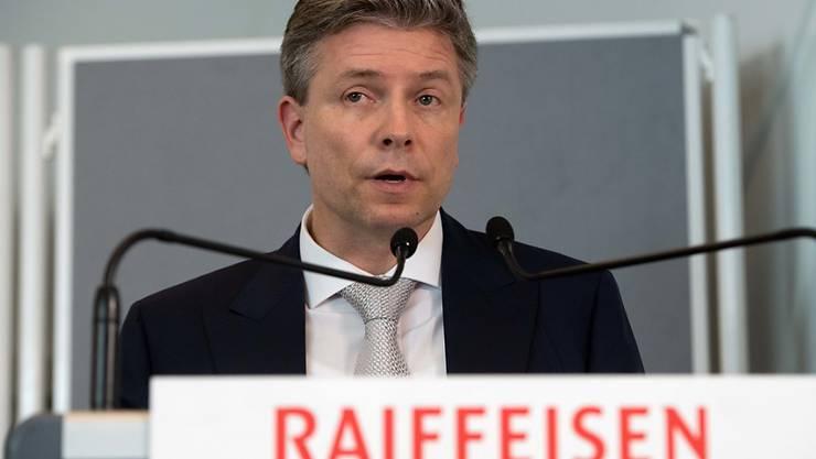 Raiffeisen hat seinem Vizepräsidenten Pascal Gantenbein im letzten Jahr eine Vergütung von 480'108 Franken bezahlt - er war damit der höchstbezahlte Verwaltungsrat der Bank.  Gantenbein hatte den Verwaltungsrat zeitweise ad interim präsidiert. (Archiv)