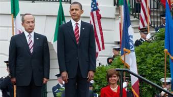 Die Old Guard spielt auf; hier für Barack Obama und den mexikanischen Staatspräsidenten Felipe Calderón.