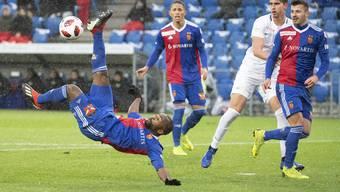 Im Spiel zwischen dem FC Basel und dem FC Zürich landete eine Banane neben Aldo Kalulu, was einen Rassimus-Skandal in der Liga auslöste.