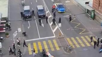 Frauenstreik Basel 2020: Polizeieinsatz löst Demo auf und sieht sich mit heftiger Kritik konfrontiert.