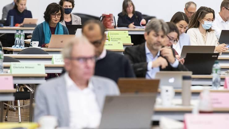 Im Dezember wird der Kantonsrat über das Budget debattieren. Die Finanzkommission will die Sparschraube dabei ganz leicht anziehen. Ein grosses Streichkonzert soll es aber nicht geben. (Archivbild)