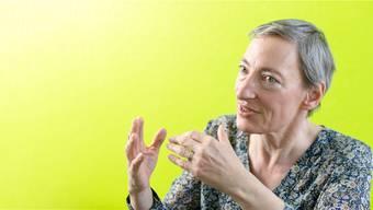 Ruth Schweikert in ihrem Büro in Zürich. «Mir ist aufgefallen, dass immer vom Kämpfen die Rede ist, von einem Kampf, den man gewinnen kann oder verlieren.»