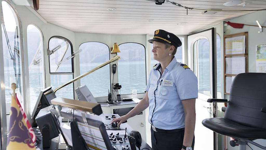 Auf dem Vierwaldstättersee werden 2021 weniger Kursschiffe unterwegs sein als üblich. (Archivaufnahme)