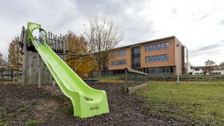 Ein Schulgebäude in Möhlin. (Archivbild)