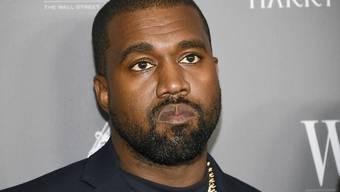 US-Rapper Kanye West (42) nahm bei seinem mobilen Sonntagsgottesdienst selbst das Mikrofon ist die Hand. (Archiv)