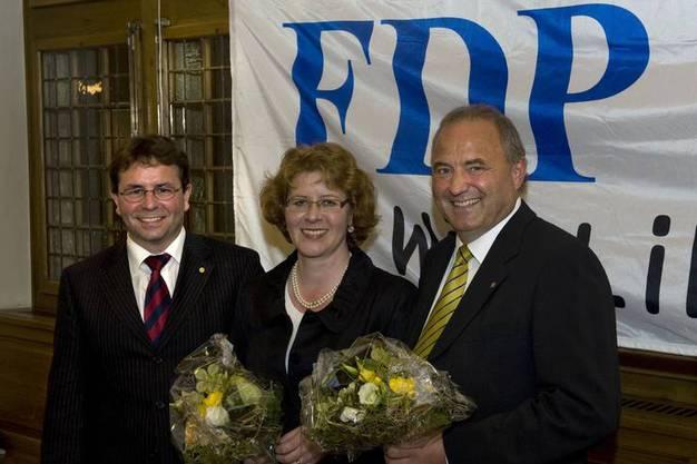 Im Mai 2009 schlägt die FDP Brugg Daniel Moser (rechts) als Nachfolger von Stadtammann Rolf Alder vor. Der damalige Parteipräsident Willi Wengi (links) mit der damaligen FDP-Stadträtin Dorina Jerosch.
