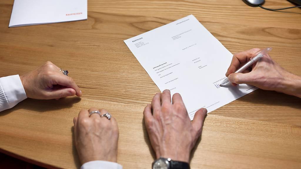 Der Nationalrat will neue Verhaltensregeln für Versicherungsvermittler im Gesetz verankern. Er hat diese und weitere Änderungen des Versicherungsaufsichtsgesetzes beschlossen. (Themenbild)