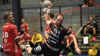 HSC-Co-Captain Tim Aufdenblatten (r.) und TVE-Rückkehrer Simon Huwyler trafen bereits vor zwei Wochen am Aargauer Cup aufeinander.