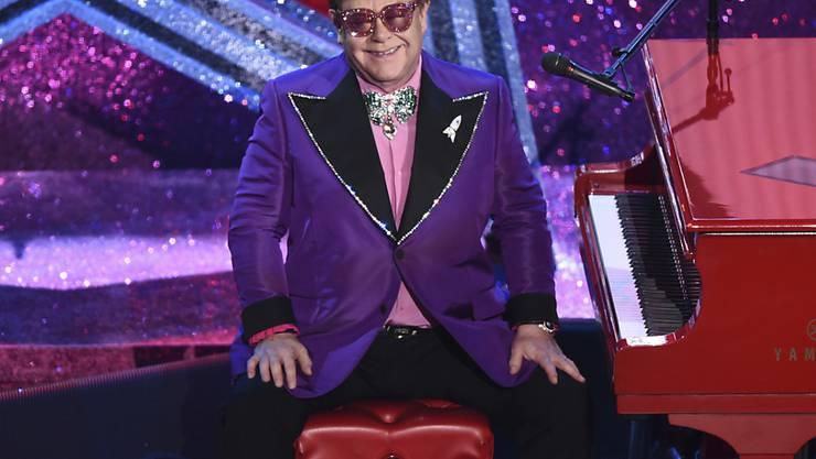 """Die grossen Stars der Musikszene haben die Amerikaner in der Corona-Krise mit einem emotionalen Wohnzimmer-Konzert zum Durchhalten aufgerufen. Moderierte wurde das """"iHeartRadio Living Room Concert for America"""" von Elton John. (Archivbild)"""