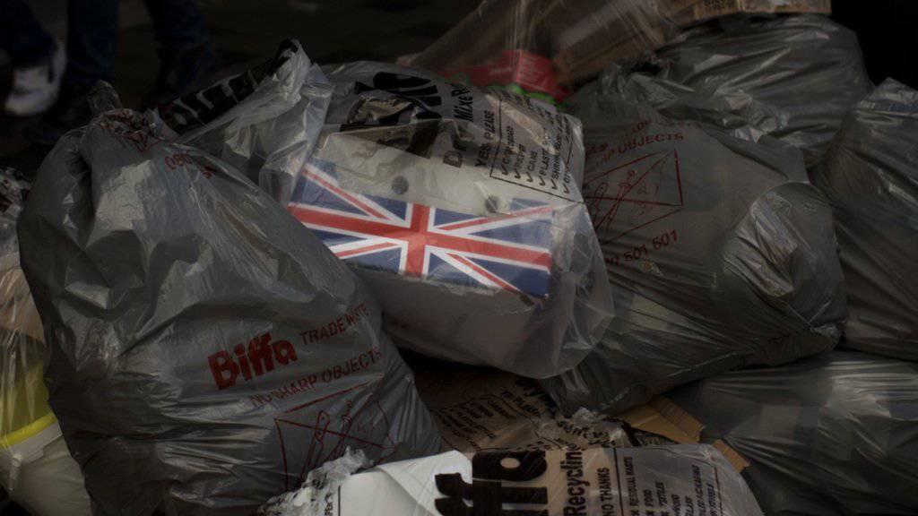 Im Detailhandel sowie bei den Investitionen bringt der Brexit den Briten einen Dämpfer. (Symbolbild)