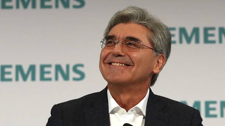 Siemens-Chef Joe Kaeser kann sich über einen kräftigen Lohnsprung freuen. (Archiv)