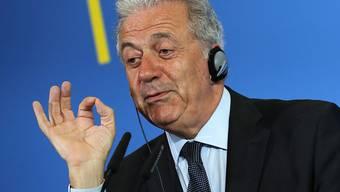Fordert eine rasche Lösung im Umgang mit aus Seenot geretteten Flüchtlingen: EU-Innenkommissar Dimitris Avramopoulos. (Archivbild)