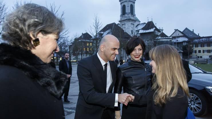 Bonsoir, Monsieur le Conseiller fédéral, Empfang von Alain Berset und Gattin Muriel Zeender, mit Christine Beerli (l., Präsidentin Solothurner Filmtage) und Direktorin Seraina Rohrer