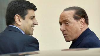 Berlusconi beginnt mit seinem Sozialdienst