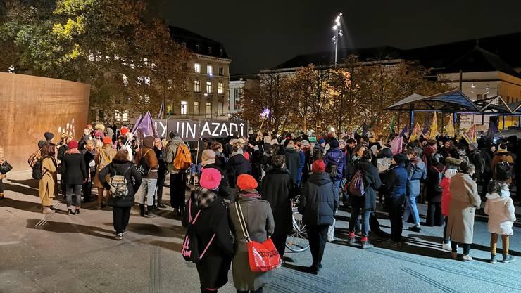 In Basel findet eine unbewilligte Demo gegen Gewalt an Frauen statt. (sil)