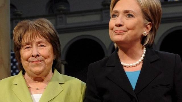 Hillary Clintons Mutter (links) ist im Alter von 92 Jahren gestorben (Archiv)