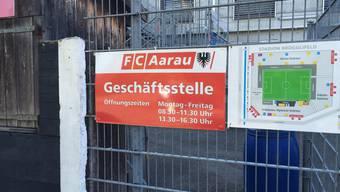 In der Geschäftsstelle des FC Aarau kann man noch bis um 19.00 Tickets kaufen. Am Samstag gibts nur noch bei aarau.info Tickets.