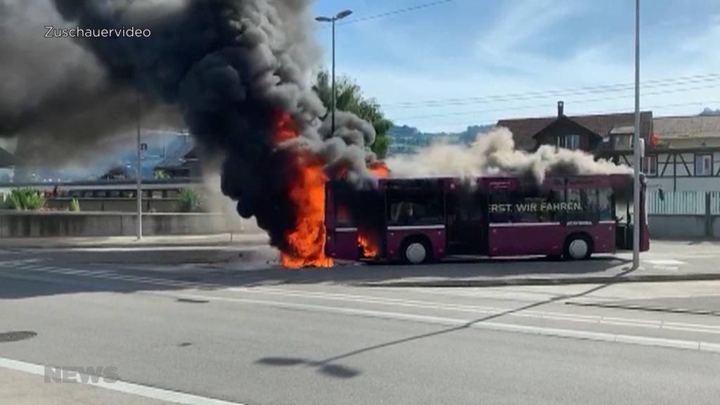 Mehrere Fahrzeugbrände: Wie gefährlich ist die Hitze?