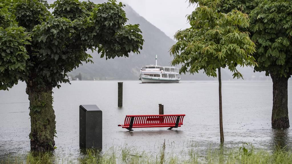 Höchste Gefahr am Vierwaldstättersee – (noch) ruhige Lage am Bodensee
