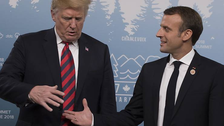 US-Präsident Donald Trump und Frankreichs Staatschef Emmanuel Macron beim Treffen am G7-Gipfel in Kanada.